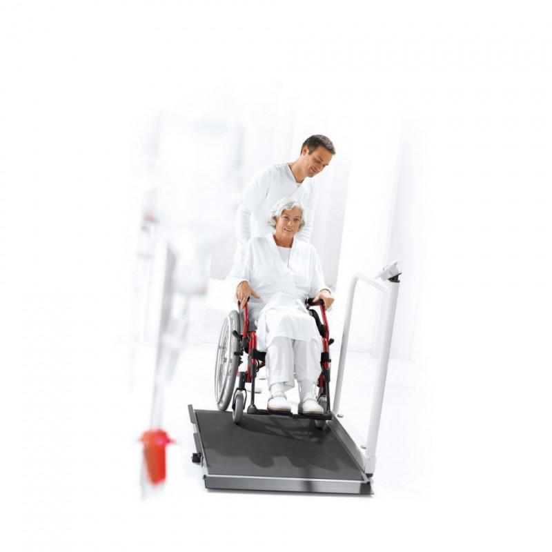 Plateforme de pesée pour fauteuil roulant ou chaise Seca 677 - Exemple d'utilisation